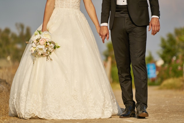 nohy novomanželů